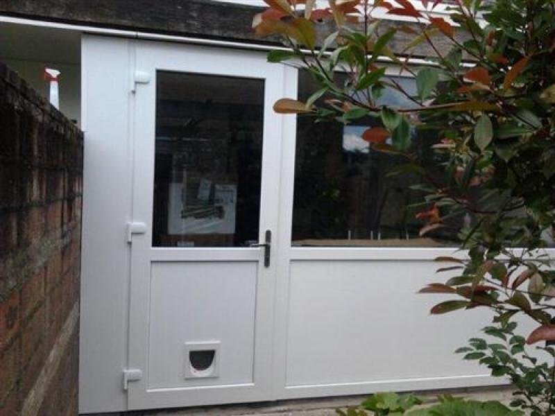Installeren kunststof deur