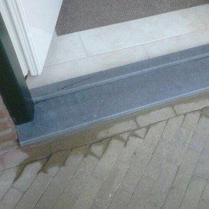 Vleugeloverdekkende deur geplaatst in Haelen